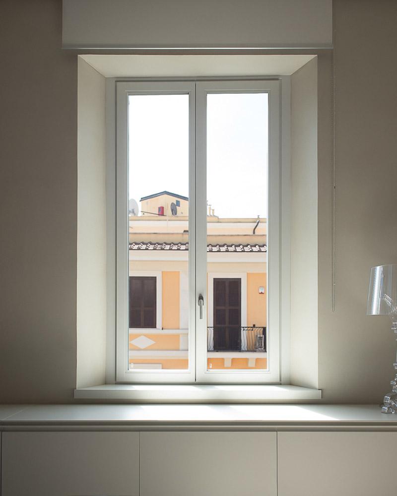 iris-finestra-legno-falchetti-serramenti-woodstyle