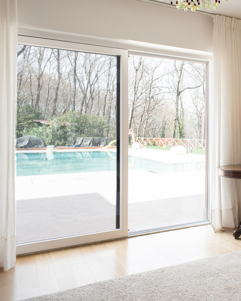 liri-finestra-scorrevole-legno-falchetti-serramenti-woodstyle